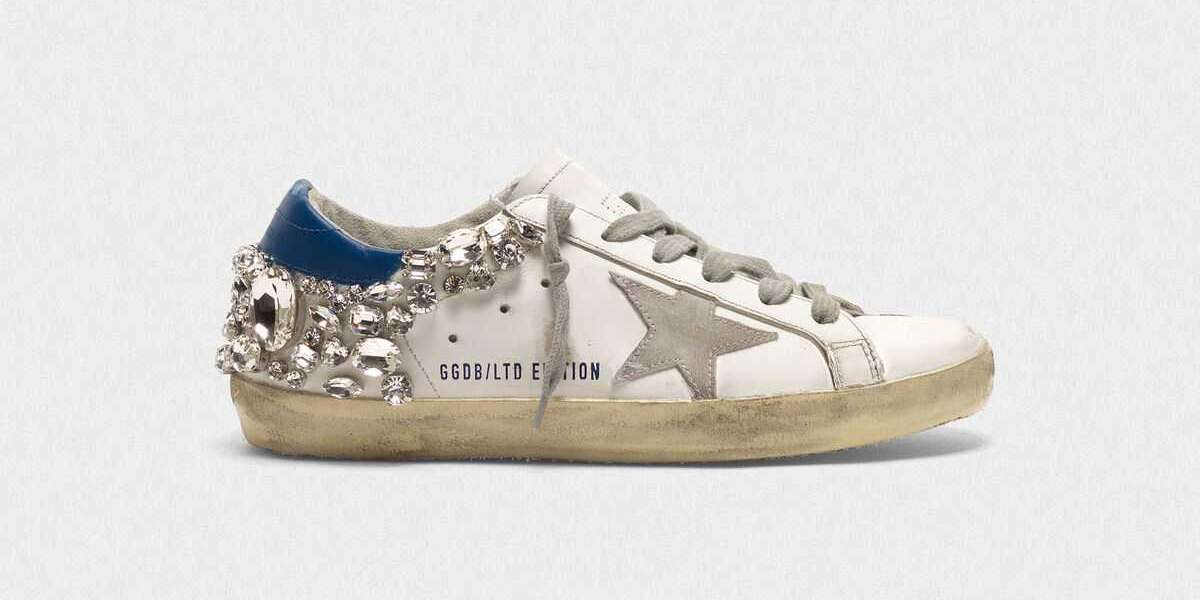 Golden Goose Sneakers to