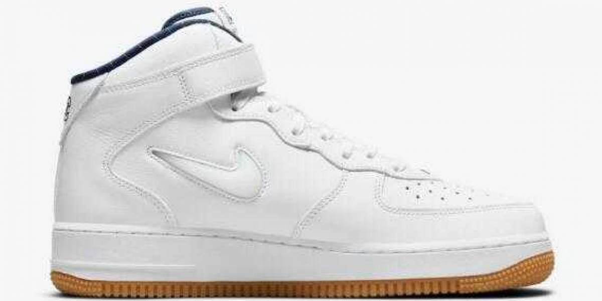 DH5622-100 Nike Air Force 1 Mid Releasing For Yankees Fans